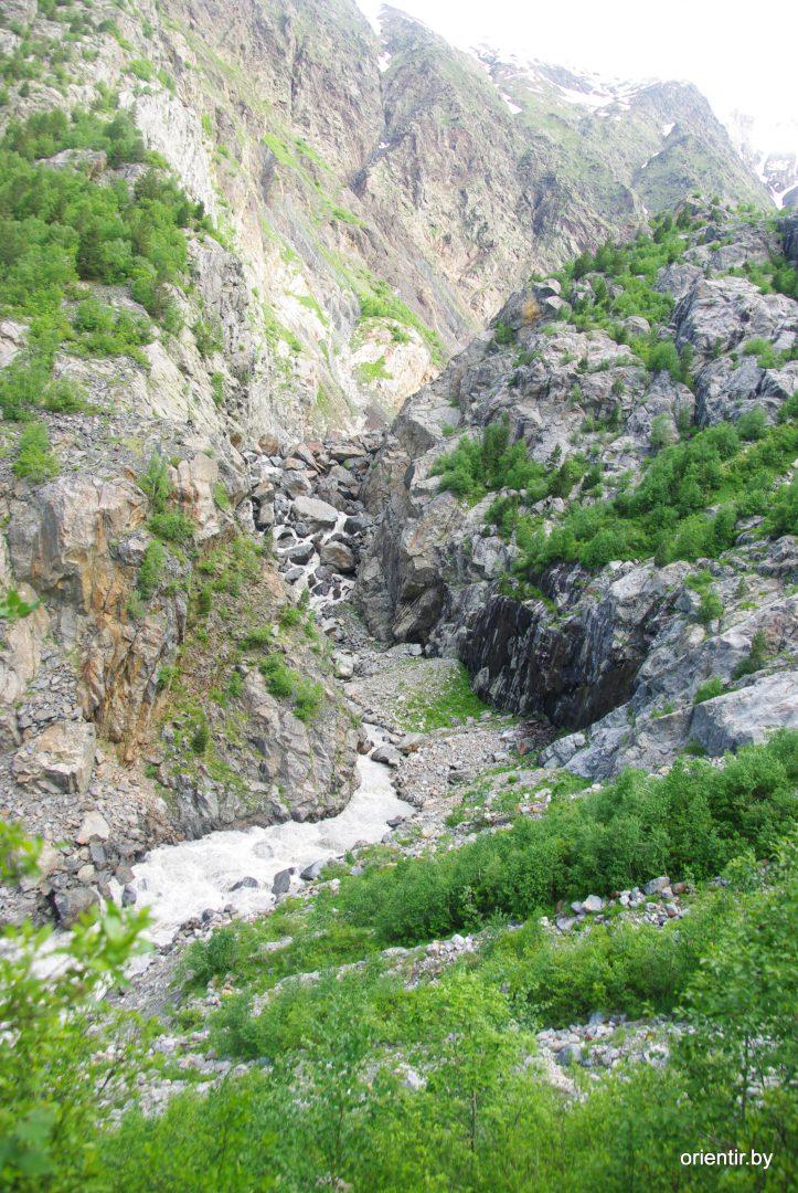 Скальные ворота Цаннера, вид с тропы от границы леса